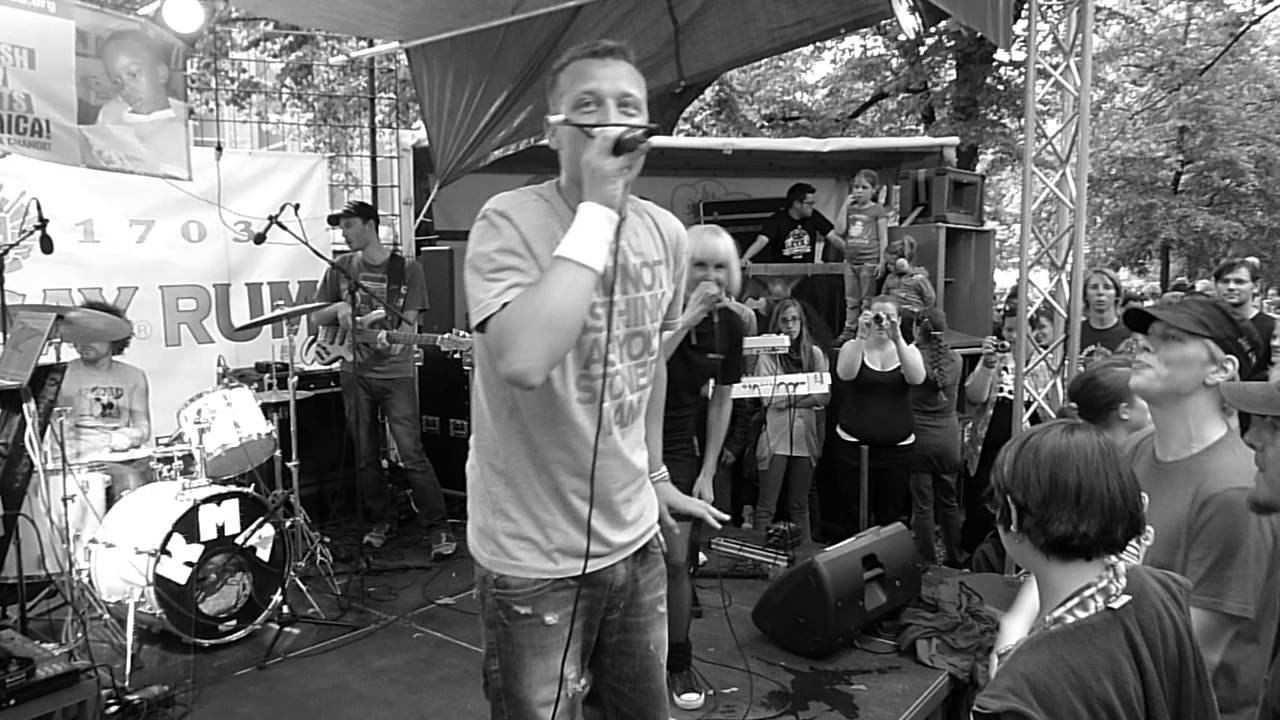 Mono & Nikitaman - Digge Digge @ Fete de la Musique 2011 - Berlin