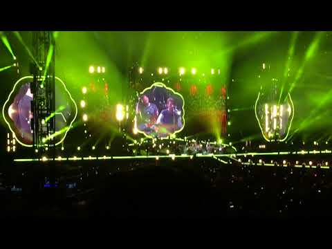 Coldplay LIVE 2017 - Yellow - Vancouver - BC Place 09/29/17
