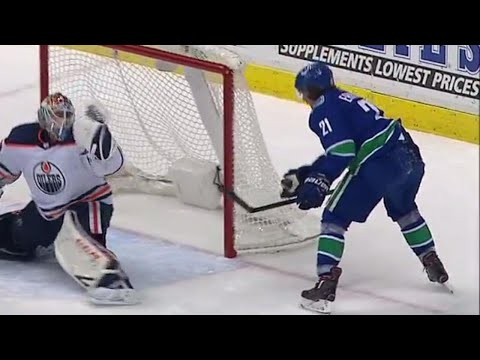 Eriksson uses his hand for a nifty play that gives Canucks the lead