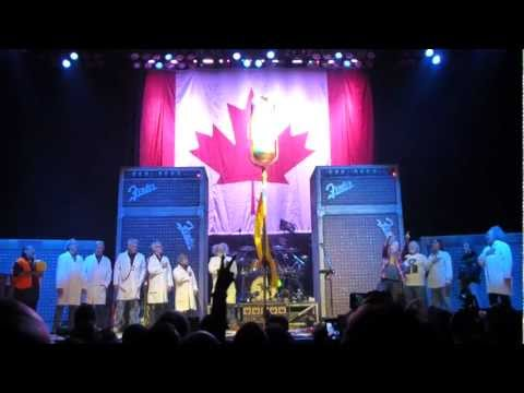 Neil Young & Crazy Horse in Vancouver - O Canada